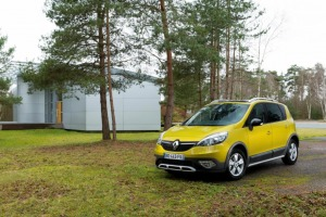 Załączona grafika: Renault Scenic XMOD - zdjęcie 1.jpg